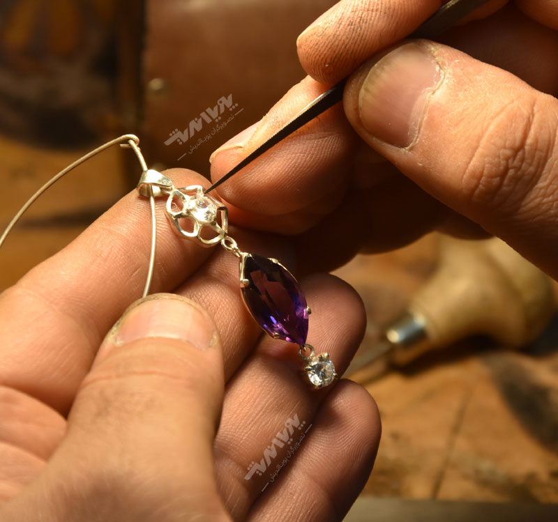 ساخت گردنبند و انگشتر در جواهرسازی